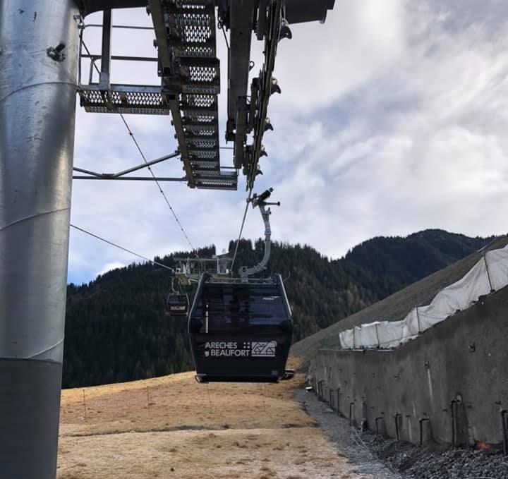 Construction Télécabine débrayable 10 places (TCD10) du Bois - Arêches 12808210
