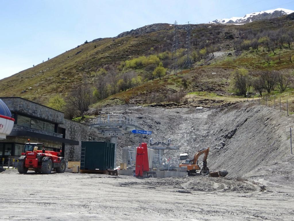 Construction télécabine débrayable 10 places (TCD10) Pointe de la Masse 19155710