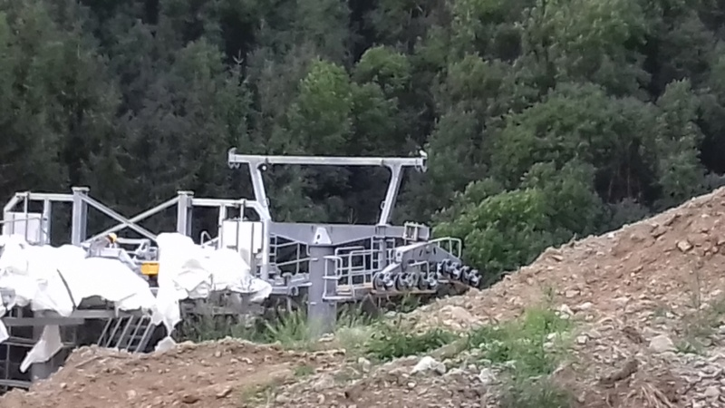 Construction télécabine débrayable 8 places (TCD8) de l'Enversin, Oz-Vaujany - BMF Bartholet 20170814