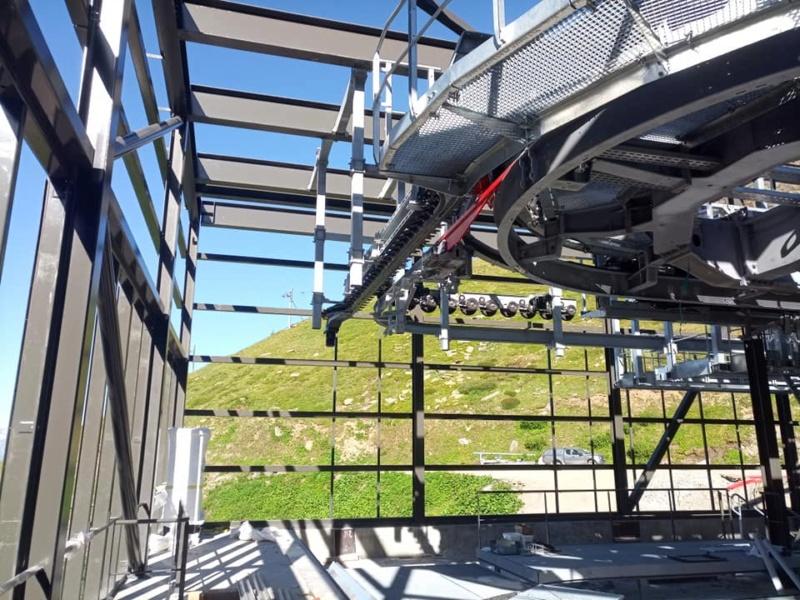 Construction télécabine débrayable 10 places (TCD10) Orelle - Caron 3 Vallées Express 20210610