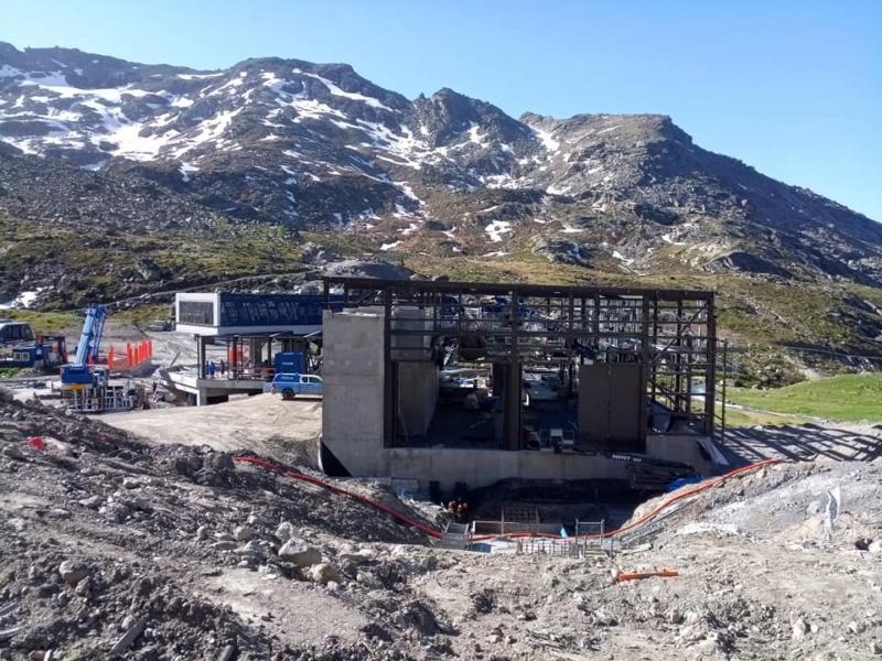 Construction télécabine débrayable 10 places (TCD10) Orelle - Caron 3 Vallées Express 20212510