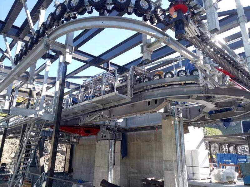 Construction télécabine débrayable 10 places (TCD10) Orelle - Caron 3 Vallées Express 20223810