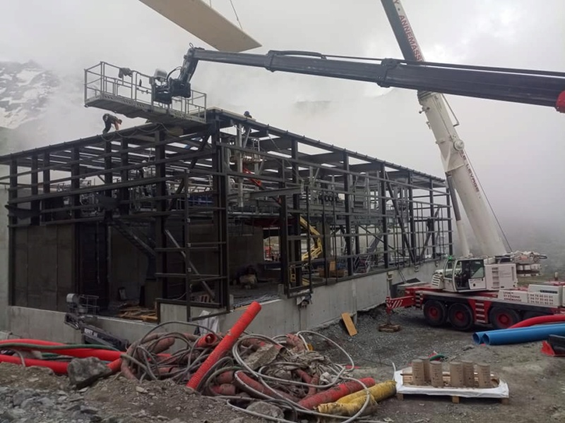 Construction télécabine débrayable 10 places (TCD10) Orelle - Caron 3 Vallées Express 20355610