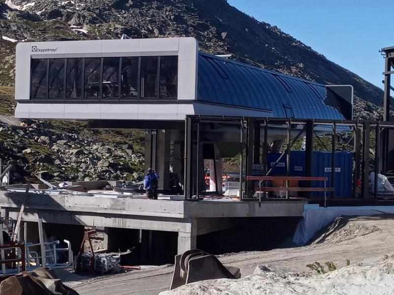 Construction télécabine débrayable 10 places (TCD10) Orelle - Caron 3 Vallées Express 20372910