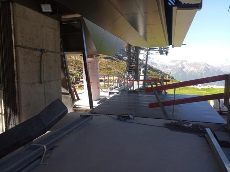 Construction télécabine débrayable 10 places (TCD10) Orelle - Caron 3 Vallées Express 20492610