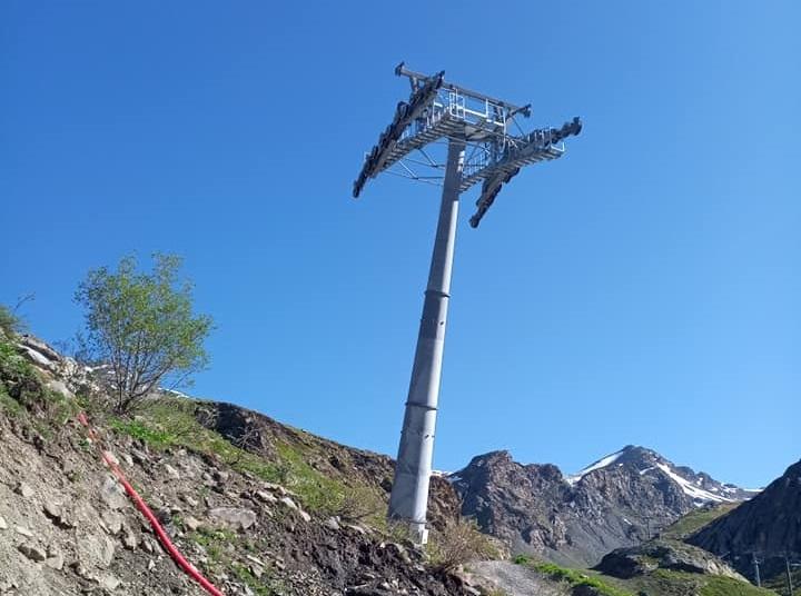 Construction télécabine débrayable 10 places (TCD10) Orelle - Caron 3 Vallées Express 20550510