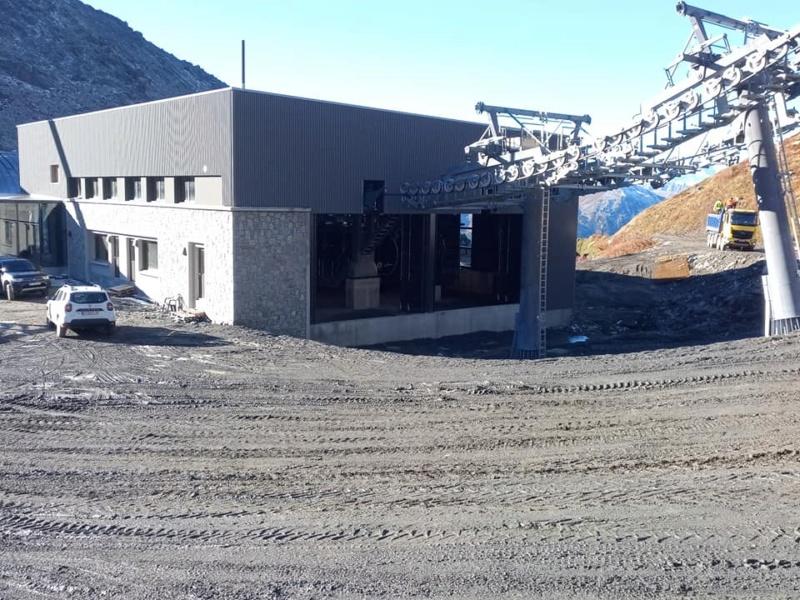 Construction télécabine débrayable 10 places (TCD10) Orelle - Caron 3 Vallées Express 24439912