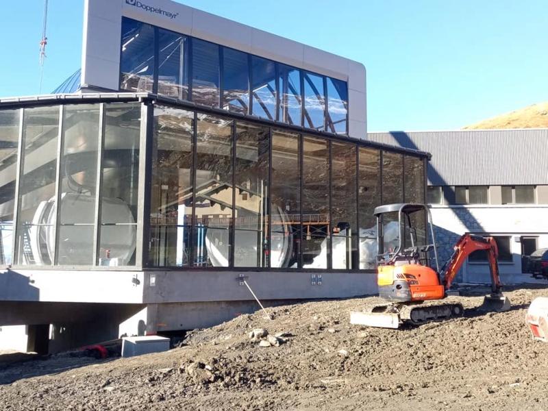 Construction télécabine débrayable 10 places (TCD10) Orelle - Caron 3 Vallées Express 24441210