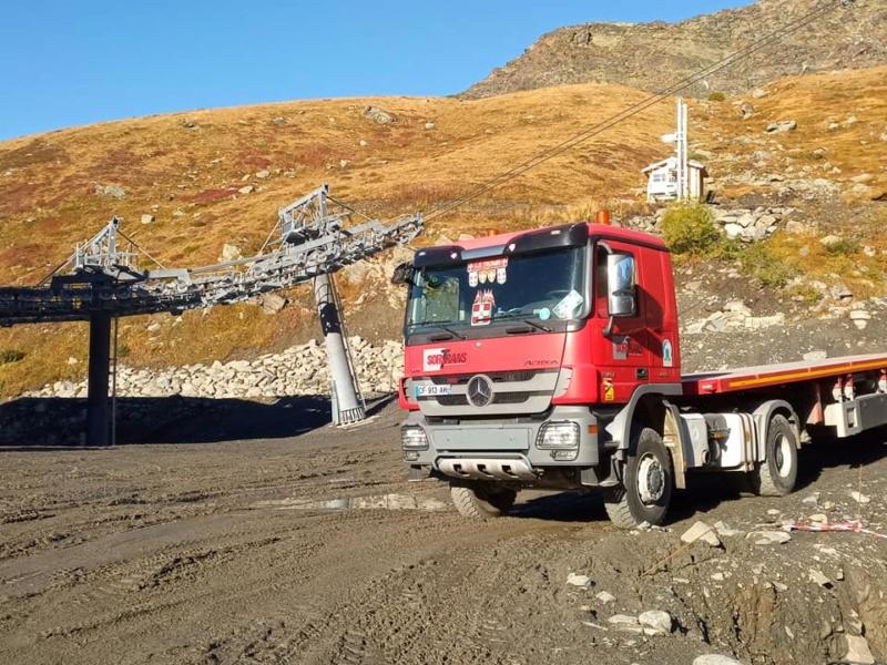Construction télécabine débrayable 10 places (TCD10) Orelle - Caron 3 Vallées Express 24478910