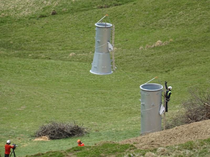 Construction Télécabine débrayable 10 places (TCD10) Peyragudes - Loudenvielle - Page 2 60010310