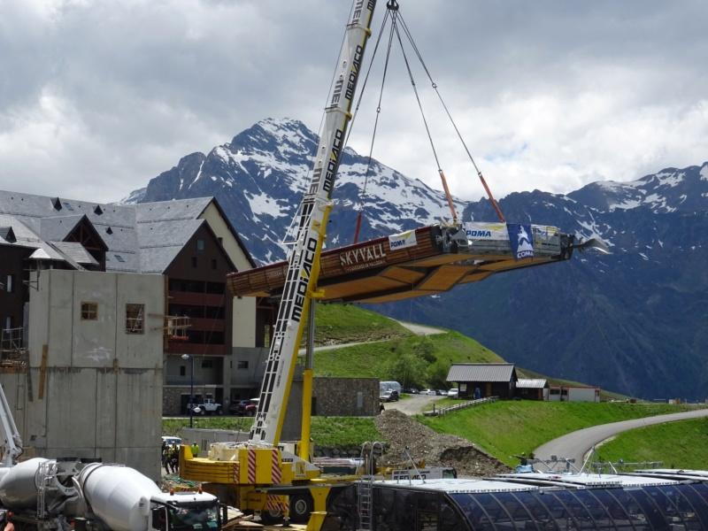 Construction Télécabine débrayable 10 places (TCD10) Peyragudes - Loudenvielle - Page 4 61999110