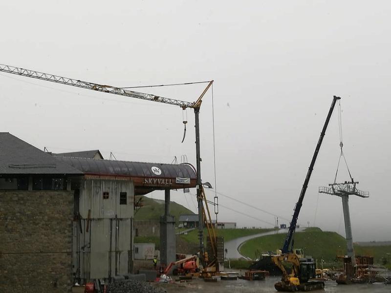 Construction Télécabine débrayable 10 places (TCD10) Peyragudes - Loudenvielle - Page 4 62222910