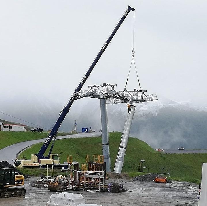 Construction Télécabine débrayable 10 places (TCD10) Peyragudes - Loudenvielle - Page 4 64216310