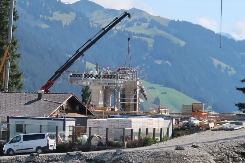 Construction télécabine 10 places Eggli (Gstaad BE) 68717411