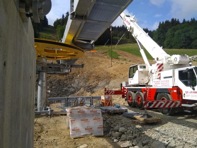 Construction télésiège débrayable 6 places (TSD6) des Chattrix 69591410
