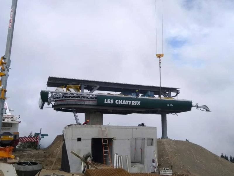 Construction télésiège débrayable 6 places (TSD6) des Chattrix 69678510