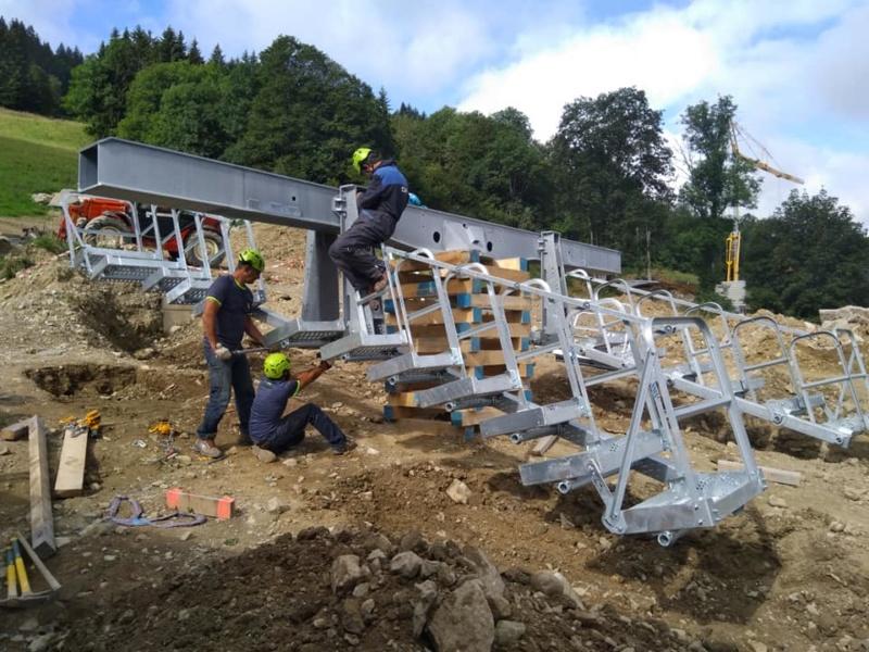 Construction télésiège débrayable 6 places (TSD6) des Chattrix 69762210