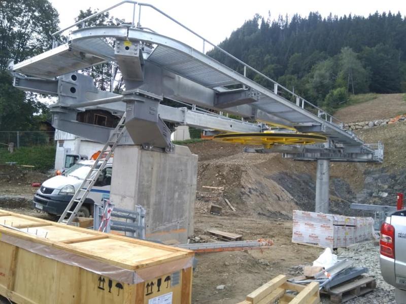 Construction télésiège débrayable 6 places (TSD6) des Chattrix 69818310