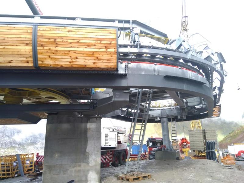 Construction télésiège débrayable (TSD6) les Charmieux - Grand Bornand 72679310
