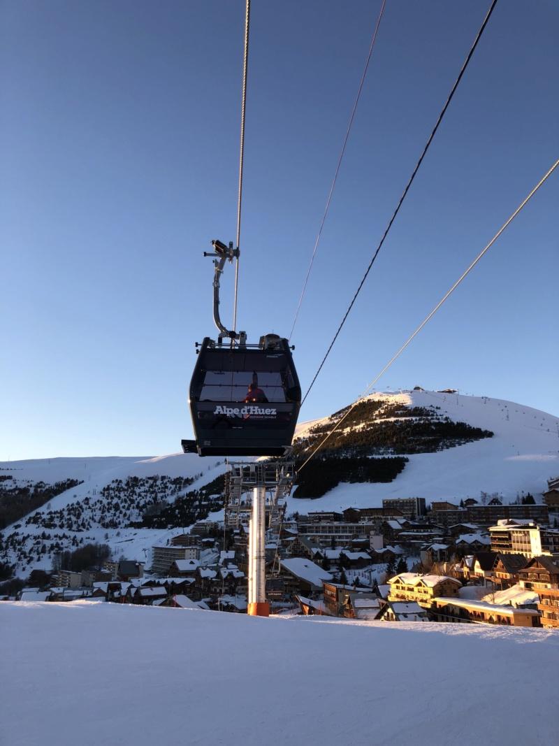 Télécabine débrayable 10 places (TCD10) Alpe Express  Cabine13
