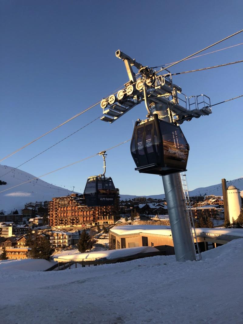 Télécabine débrayable 10 places (TCD10) Alpe Express  Cabine14