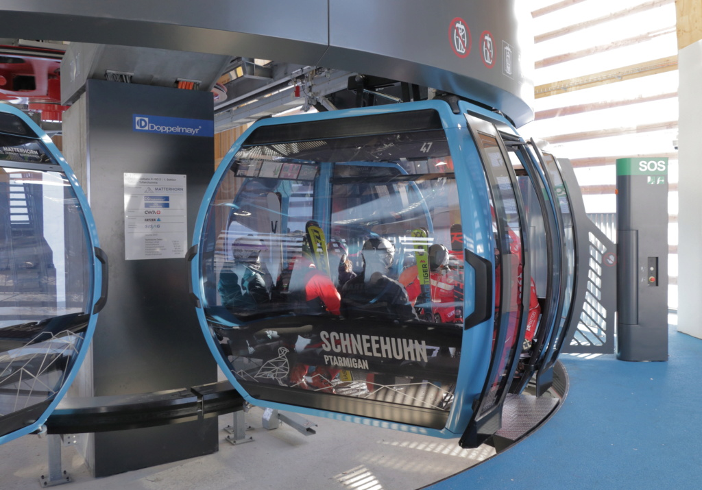 Télécabine débrayable 10 places (TCD10) Kumme Cabine27