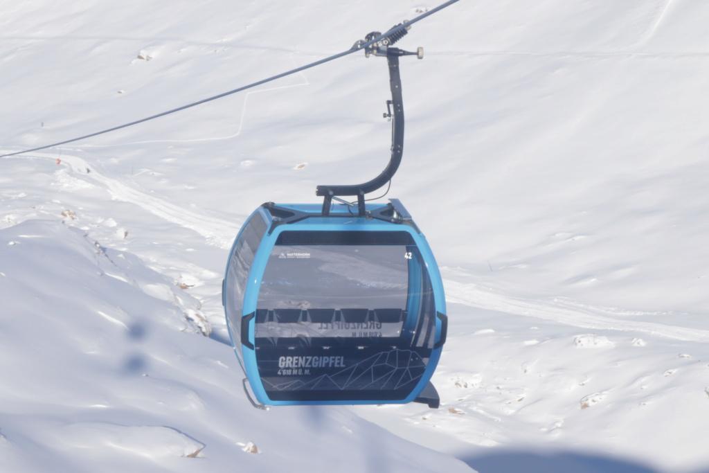 Télécabine débrayable 10 places (TCD10) Kumme Cabine28