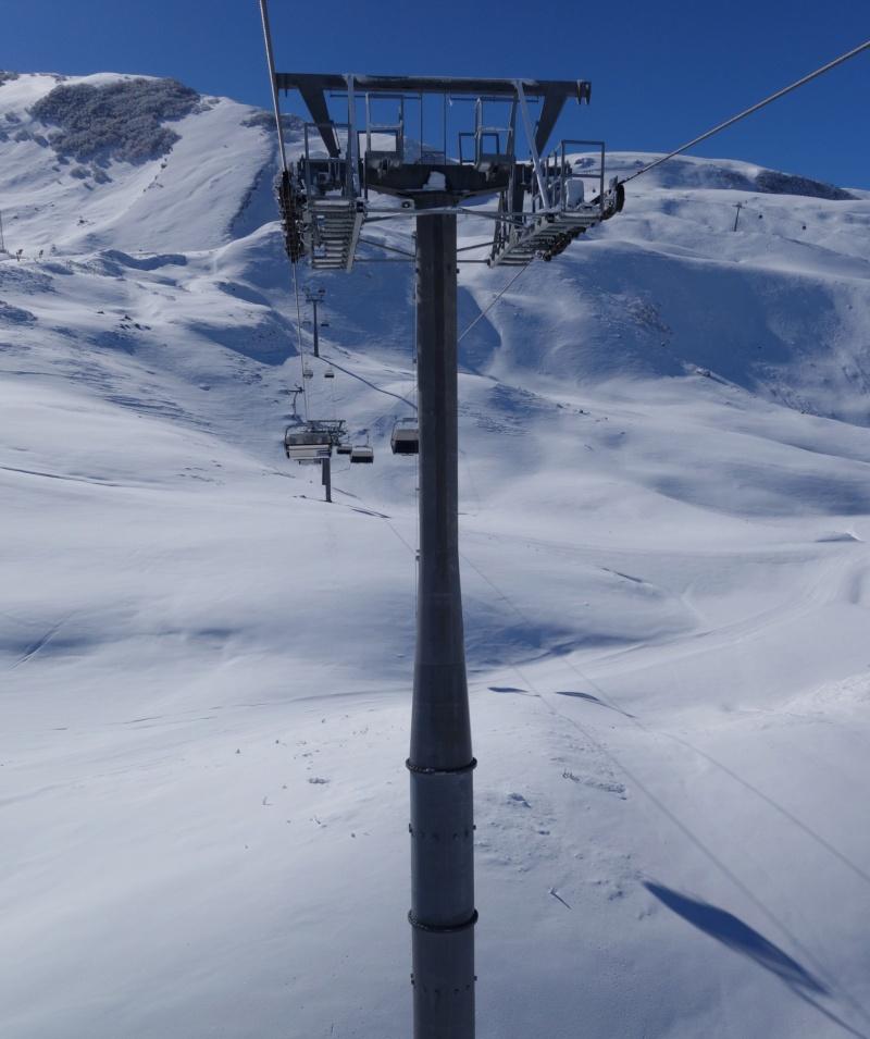 Télésiège débrayable 4 places (TSD4) Lift 3 - Shahdag Dsc02544