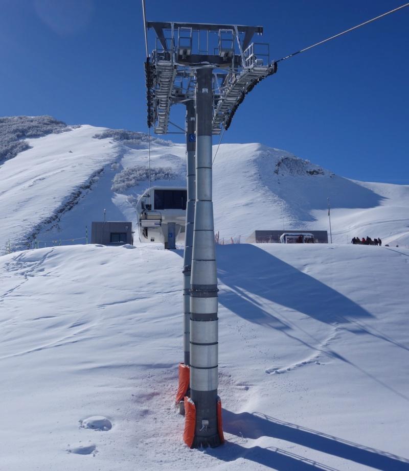 Télésiège débrayable 4 places (TSD4) Lift 3 - Shahdag Dsc02553