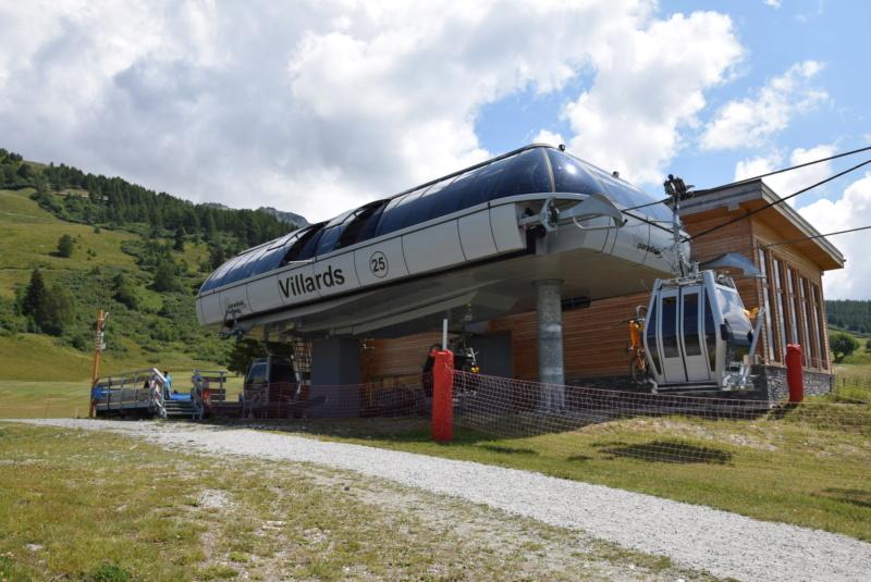 Télécabine débrayable 8 places (TCD8) les Villards - Leitner Dsc_0016