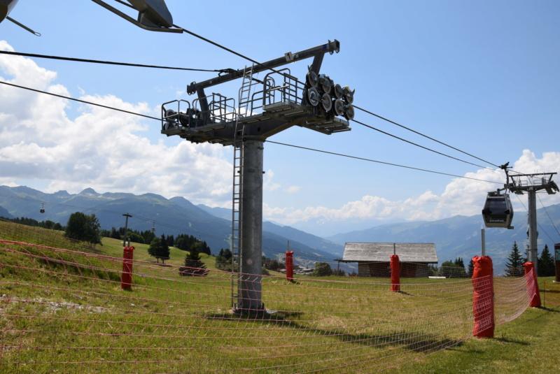 Télécabine débrayable 8 places (TCD8) les Villards - Leitner Dsc_0017