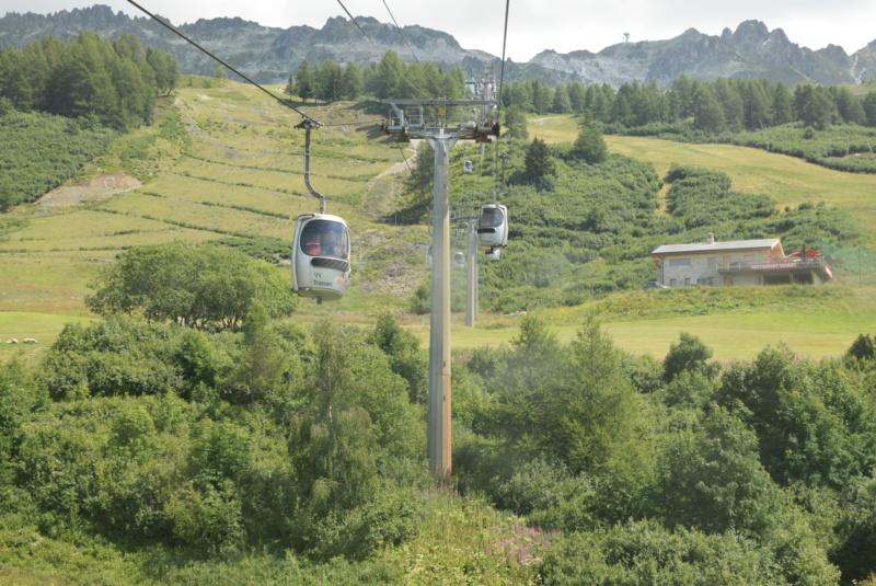 Télécabine débrayable 15 places (TCD15) Transarc - Leitner Dsc_0070