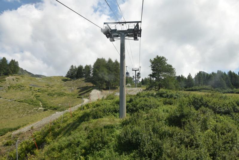 Télécabine débrayable 15 places (TCD15) Transarc - Leitner Dsc_0073
