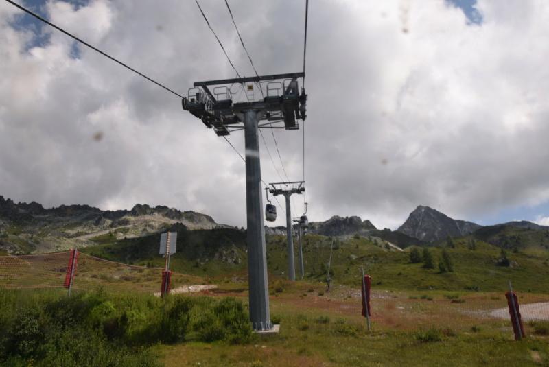 Télécabine débrayable 15 places (TCD15) Transarc - Leitner Dsc_0077