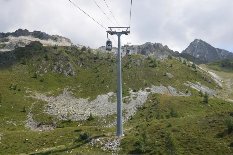 Télécabine débrayable 15 places (TCD15) Transarc - Leitner Dsc_0079