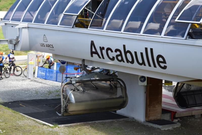 Télésiège débrayable 6 places (TSD6) Arcabulle - Poma Dsc_0169
