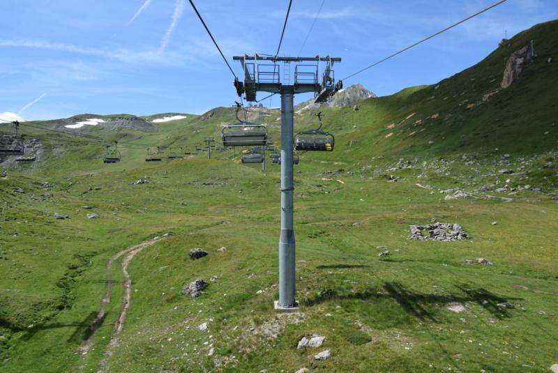 Télésiège débrayable 6 places (TSD6) Arcabulle - Poma Dsc_0239