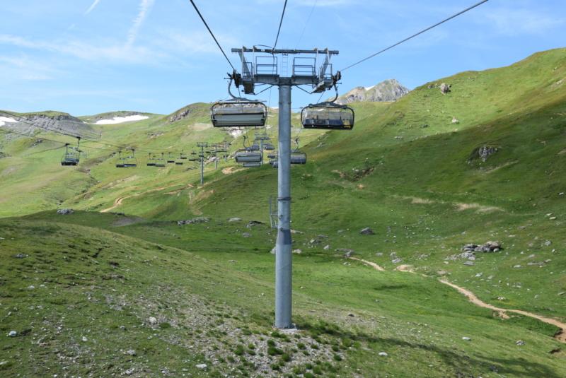Télésiège débrayable 6 places (TSD6) Arcabulle - Poma Dsc_0240