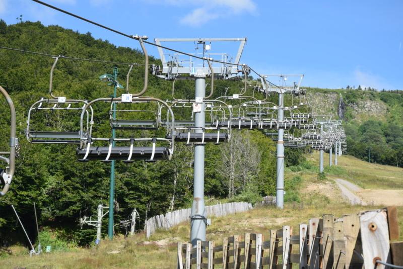 Télésiège fixe 4 places (TSF4) Bois du Loup Dsc_0320
