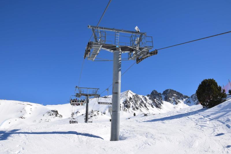 Télésiège débrayable 6 places (TSD6) Pic Blanc - Telesillas Dsc_0675
