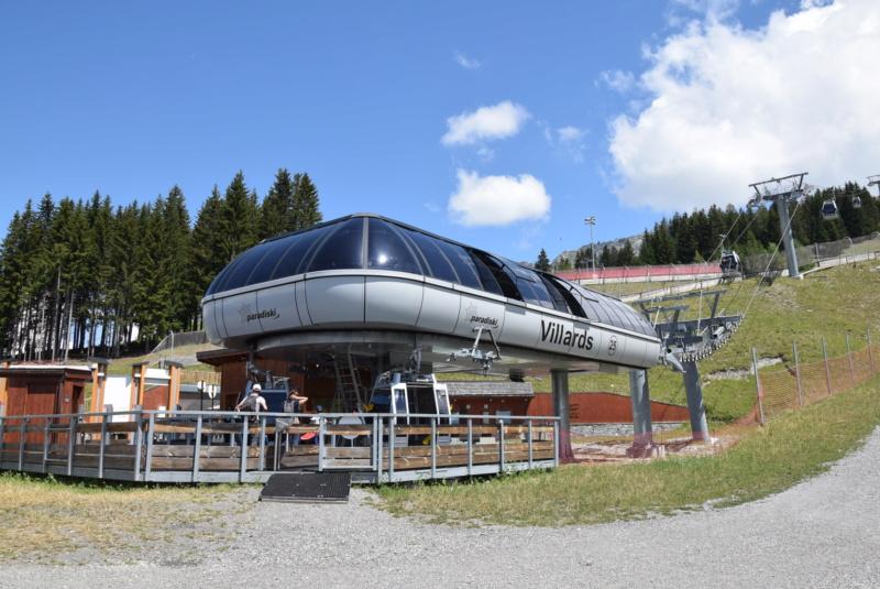 Télécabine débrayable 8 places (TCD8) les Villards - Leitner Dsc_0720