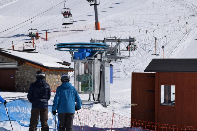 Téléski à enrouleurs 2 places (TKE2) Llac del Cubil - Telesquies Dsc_1205