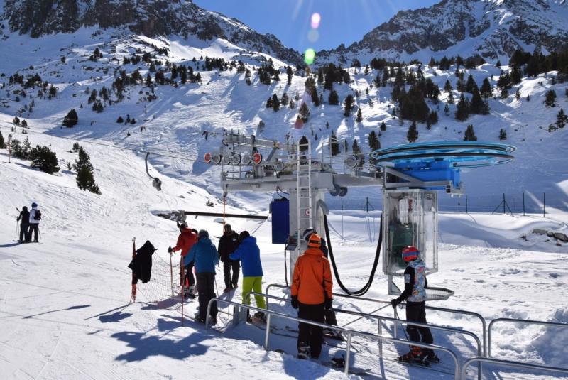 Téléski à enrouleurs 2 places (TKE2) Llac del Cubil - Telesquies Dsc_1208