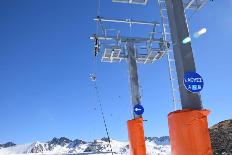 Téléski à enrouleurs 2 places (TKE2) Llac del Cubil - Telesquies Dsc_1220