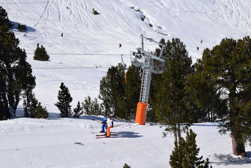Téléski à enrouleurs 2 places (TKE2) Llac del Cubil - Telesquies Dsc_1822