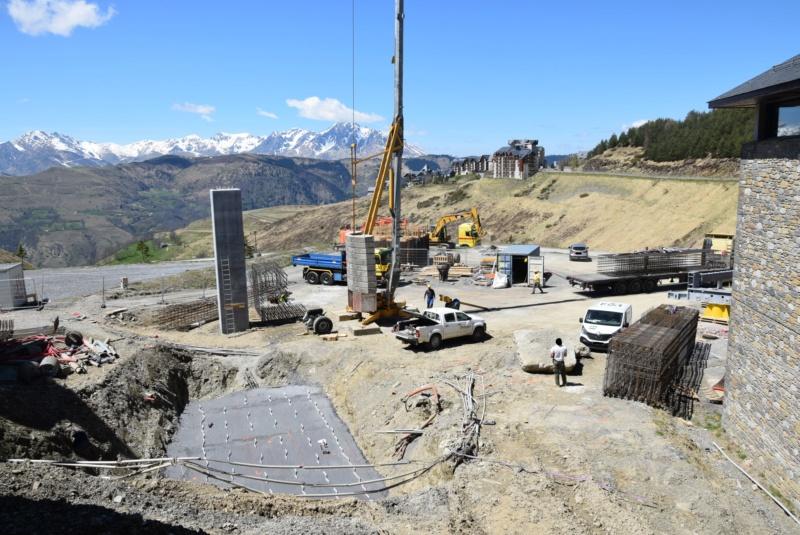 Construction Télécabine débrayable 10 places (TCD10) Peyragudes - Loudenvielle - Page 2 Dsc_2022