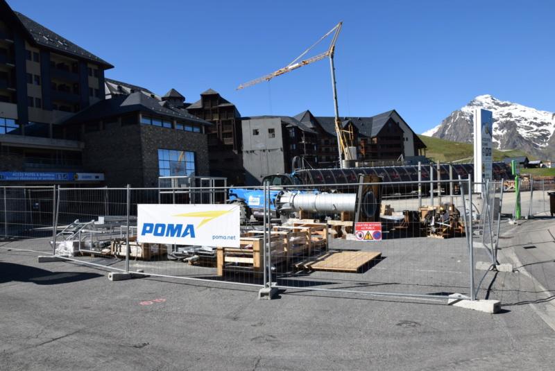 Construction Télécabine débrayable 10 places (TCD10) Peyragudes - Loudenvielle - Page 4 Dsc_2222