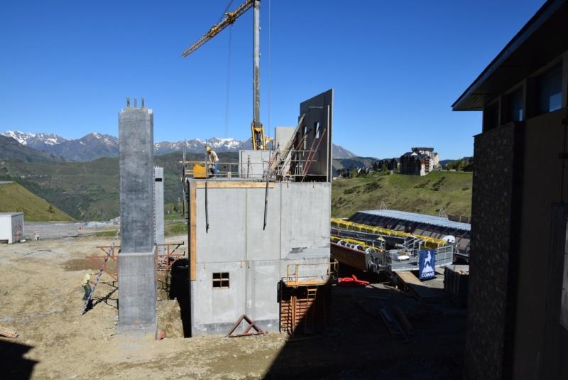 Construction Télécabine débrayable 10 places (TCD10) Peyragudes - Loudenvielle - Page 4 Dsc_2225