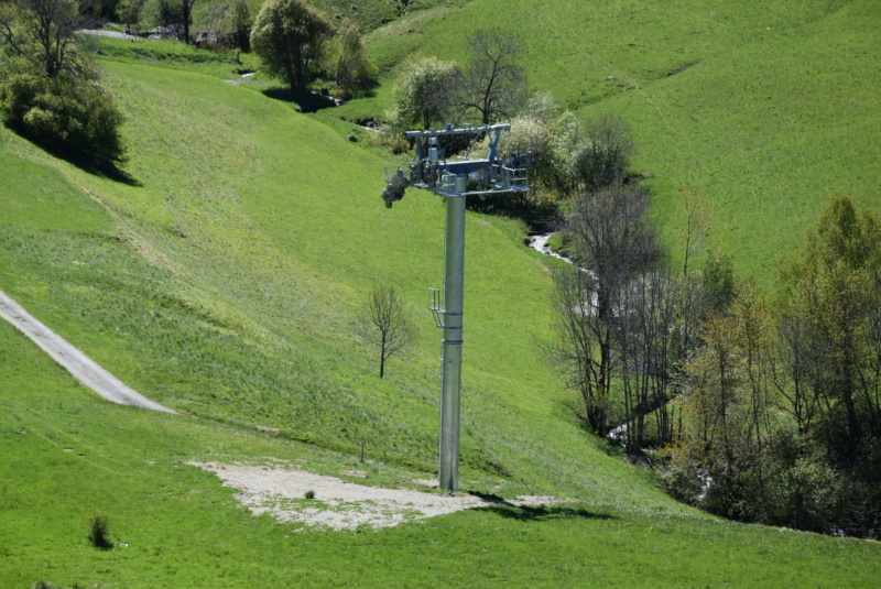 Construction Télécabine débrayable 10 places (TCD10) Peyragudes - Loudenvielle - Page 4 Dsc_2235