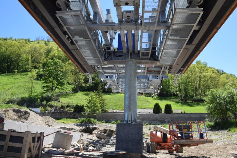 Construction Télécabine débrayable 10 places (TCD10) Peyragudes - Loudenvielle - Page 4 Dsc_2241